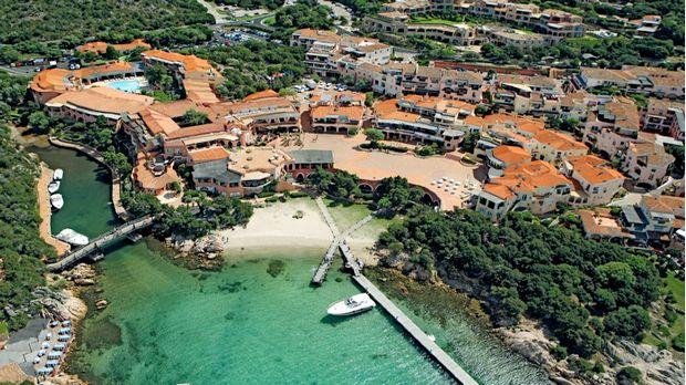 6 Mejores Hoteles en primera linea de playa en Costa Esmeralda