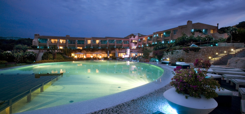 Top 6 i migliori hotel sul mare della costa smeralda for Hotel barcellona sul mare