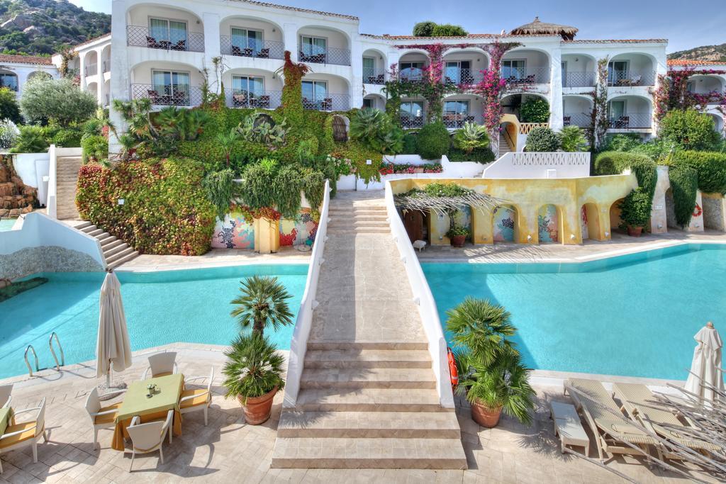 Top 6 les meilleurs h tels sur la mer de costa smeralda for Hotel meilleur