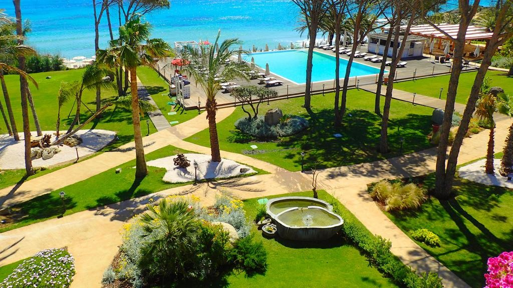 Best Sardinia Beach Resorts - La Villa del Re